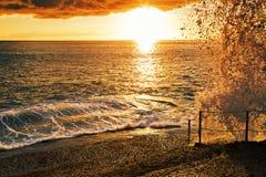 Sonnenuntergang an den Felsen Lizenzfreie Stockfotos