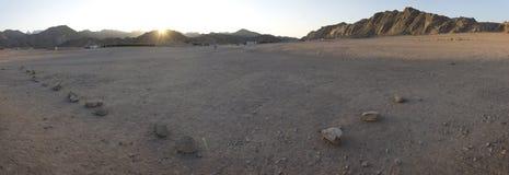 Sonnenuntergang in den Hurghada Wüstenbergen stockfoto