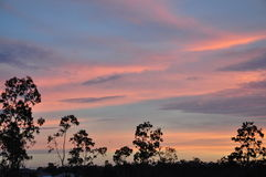 Sonnenuntergang in den Vororten Lizenzfreie Stockbilder