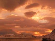 Sonnenuntergang in der Arktis Stockfotos