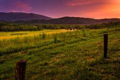 Sonnenuntergang an der Cades Bucht, Nationalpark Great Smoky Mountains, Tenn Stockbild