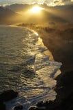 Sonnenuntergang in der Küstenlinie von Mittelmeer in Antalya, Truthahn Lizenzfreie Stockbilder