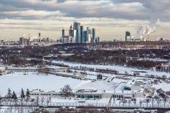 Sonnenuntergang in der Moskau-Stadt Lizenzfreie Stockfotos