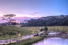 Sonnenuntergang an der Punggol Wasser-Strasse, Singapur Stockfotografie