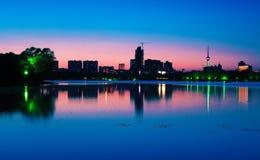 Sonnenuntergang der Stadt lizenzfreies stockbild