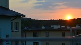 Sonnenuntergang in der Stadt, ein Zeitversehen stock video