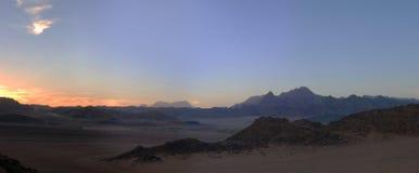 Sonnenuntergang in der Wüste von Ägypten Lizenzfreie Stockbilder