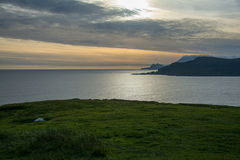 Sonnenuntergang an der wilden atlantischen Weise, Achill-Insel Lizenzfreie Stockbilder