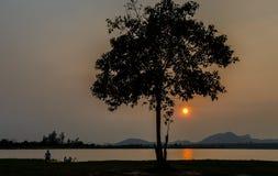Sonnenuntergang in der Winterumwelt Lizenzfreies Stockfoto