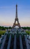 Sonnenuntergang des Eiffelturms Lizenzfreies Stockfoto