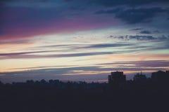 Sonnenuntergang durch Telefon Lizenzfreies Stockfoto
