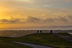 Sonnenuntergang in Edinburgh lizenzfreie stockfotos