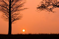 Sonnenuntergang in einem ruhigen Abend Stockfoto