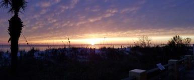 Sonnenuntergang für den Obdachlosen lizenzfreie stockfotos