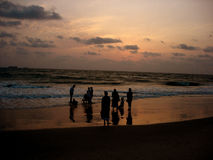 Sonnenuntergang-Familien Lizenzfreie Stockfotos