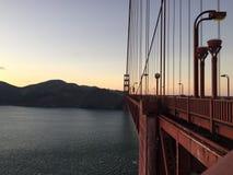 Sonnenuntergang-Geländergeschichten bei golden gate bridge, San Francisco California herein am 28. August 2016 Lizenzfreies Stockfoto