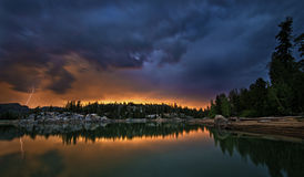 Sonnenuntergang-Gewitter Lizenzfreie Stockbilder
