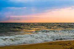 Sonnenuntergang an Goa-Strand stockfoto