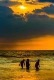 Sonnenuntergang an Goa-Strand lizenzfreies stockbild