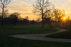 Sonnenuntergang am Golfplatz auf Ada-Binneninsel, Belgrad Stockfotografie
