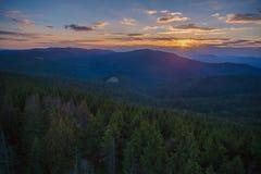 Sonnenuntergang in Gorce-Bergen Lizenzfreie Stockfotografie