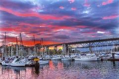 Sonnenuntergang Granville Island Burrard Street Bridge Vancouver Briten Lizenzfreie Stockfotografie