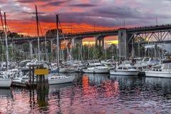 Sonnenuntergang Granville Island Burrard Street Bridge Vancouver Briten Lizenzfreie Stockfotos