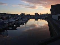 Sonnenuntergang-Hafen lizenzfreie stockfotografie
