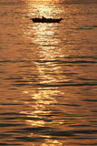 Sonnenuntergang in Halong Schacht Lizenzfreie Stockfotografie