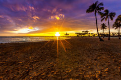 Sonnenuntergang in Hawaii Lizenzfreies Stockbild