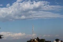 Sonnenuntergang in Himachal Pradesh mit Windmühlen lizenzfreies stockbild