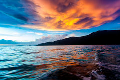 Sonnenuntergang-Himmel und Meer Lizenzfreie Stockfotografie