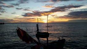 Sonnenuntergang hinter dem Meer stock video footage