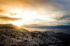 Sonnenuntergang im Berg Lizenzfreie Stockfotografie