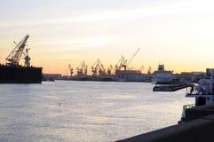 Sonnenuntergang im Kanal Lizenzfreie Stockfotografie