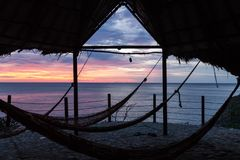 Sonnenuntergang im karibischen Meer stockfotos