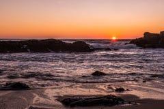 Sonnenuntergang im Meer Lizenzfreie Stockfotos