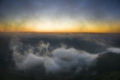Sonnenuntergang im Nebel Stockfotografie
