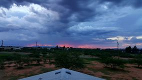 Sonnenuntergang im Norden lizenzfreies stockbild
