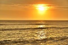 Sonnenuntergang im Pazifischen Ozean lizenzfreies stockfoto