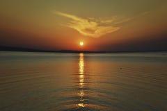 Sonnenuntergang im Rot Stockbilder