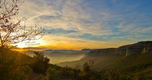 Sonnenuntergang im späten Herbst stockbild