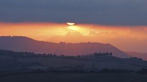 Sonnenuntergang im Val d'Orcia, Toskana Stockfoto