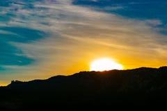 Sonnenuntergang in Jalta lizenzfreies stockbild