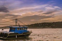 Sonnenuntergang-Küste Istanbuls Bosphorus Lizenzfreie Stockfotos