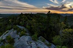 Sonnenuntergang - kahler Berg - Adirondack-Berge - New York Stockfotografie