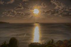 Sonnenuntergang-Kalebasse-Bucht-Strand St Lucia Lizenzfreies Stockbild