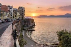 Sonnenuntergang-Korfu-Stadt Stockfotografie