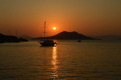 Sonnenuntergang-Kreuzfahrt Stockbild