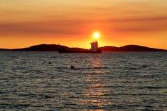 Sonnenuntergang in Kroatien, Adria Lizenzfreie Stockfotos